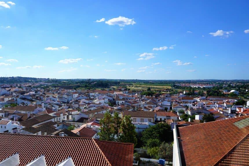 Prachtig uitzicht vanuit het Cadaval paleis in Evora.