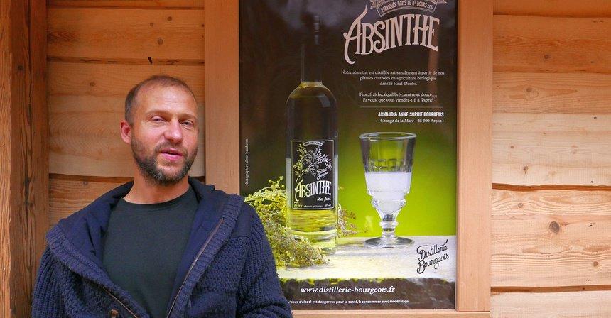 Biologische absinth van Distillerie Bourgeois. Eigenaar Arnaud produceert 1000 liter per jaar.