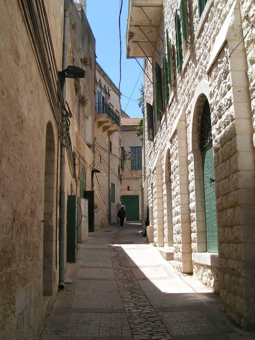Een smal straatje in Nazareth