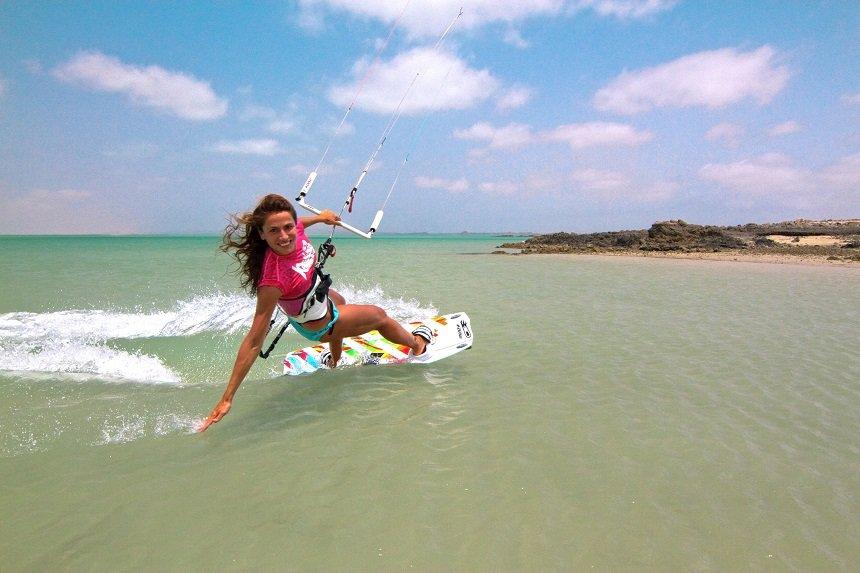 Oman ontwikkelt zich rap als unieke wind- en kitesurf bestemming
