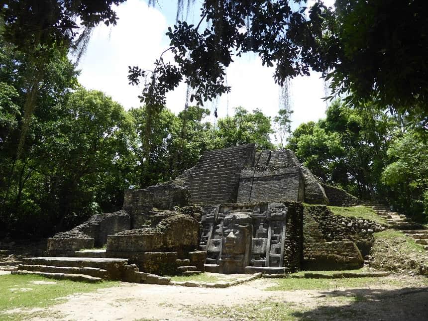 Maya lamanai belize