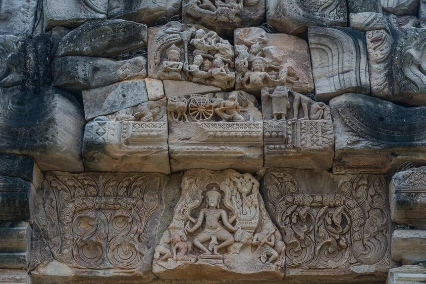 Reliefs op Phimai