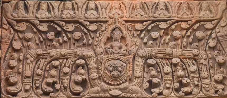 Fraai gedecoreerde lateien op Prasat Muang Tam