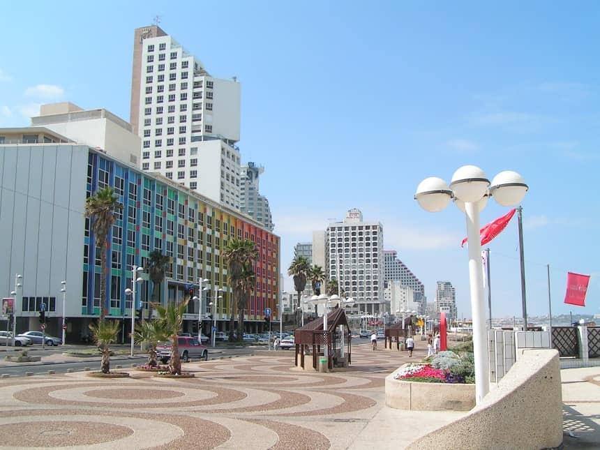 De strandboulevard van Tel Aviv
