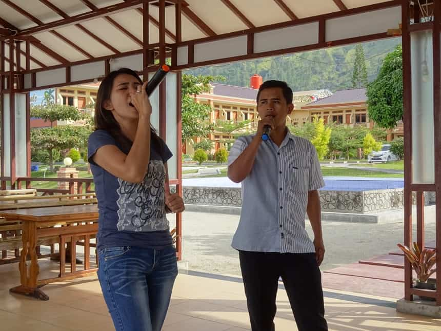 karaoke samosir