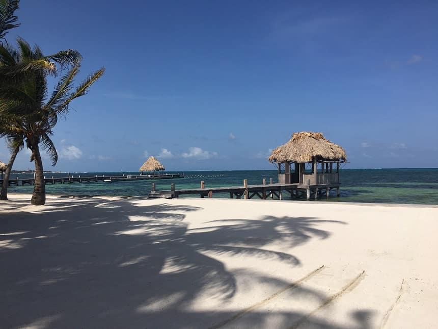 Hagelwitte stranden op Belize