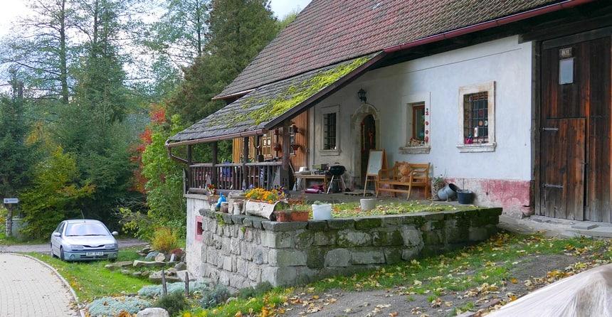 Tsjechië is heel geschikt om voordelig te wonen en te leven.