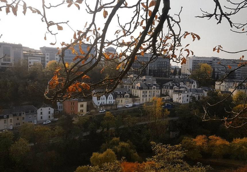 Prachtige herfstkleuren in Luxemburg Stad