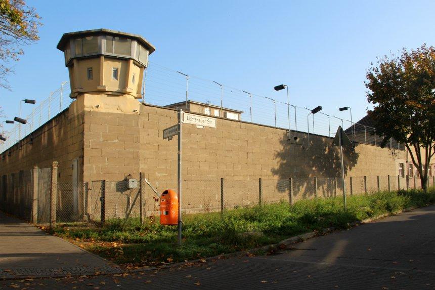 Een rondleiding door de voormalige stasigevangenis Hohenschonhausen in Berlijn is een echte aanrader