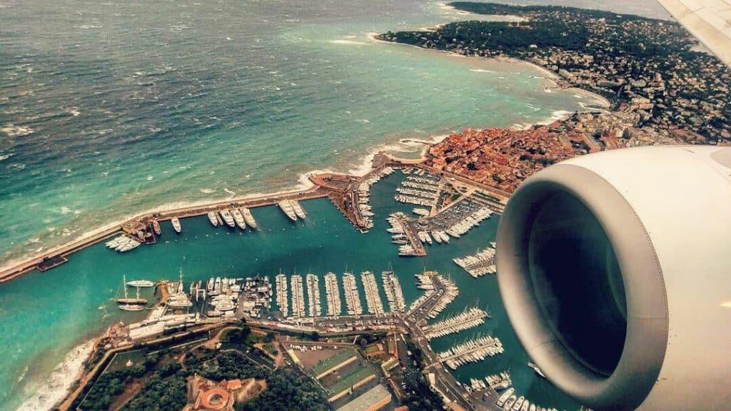jachthaven van Nice vanuit het vliegtuig