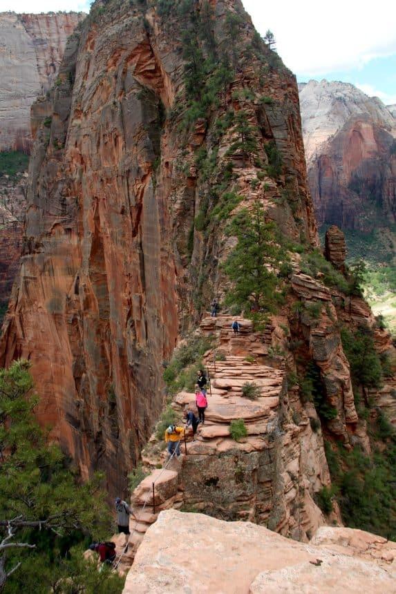 De Angels Landing hike is erg avontuurlijk. Adrenaline gegarandeerd!