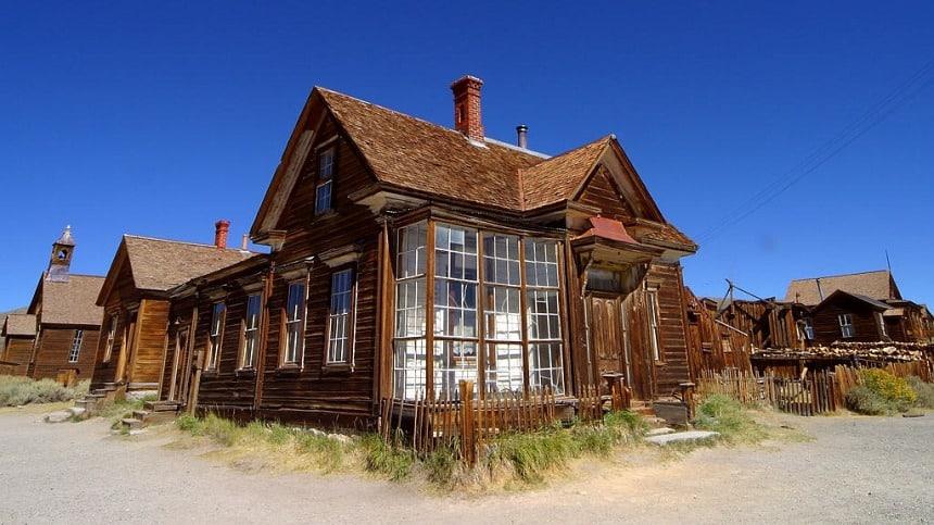 Een verlaten huis in Bodie uit begin 1900 (wikimedia).