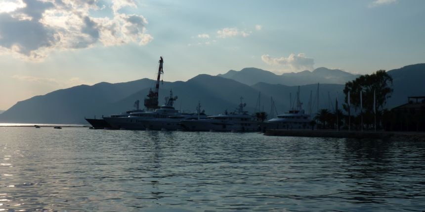 De haven in Tivat