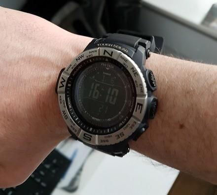 Outdoor horloge