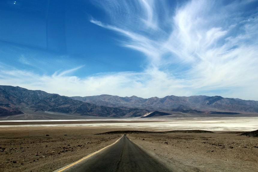 Death Valley is fantastisch om met je huurauto doorheen te rijden