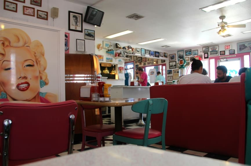 Mr. D'z Route 66 Diner in Kingman is zo'n typisch Amerikaanse diner uit de films