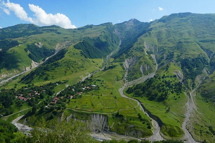 Debergen van Ganisi, in het Noorden van Georgië zijn hét ski- en snowboardgebied