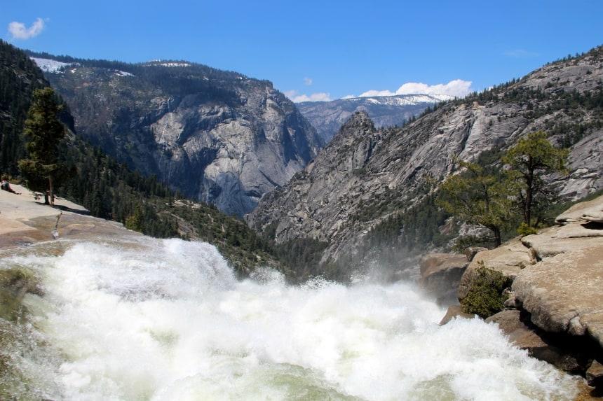 Wandelen over de Mist Trail in Yosemite National Park, Zuidwest-Amerika