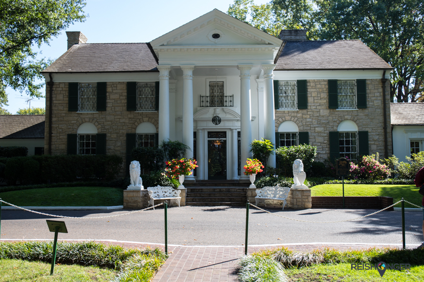 Graceland, the Mansion