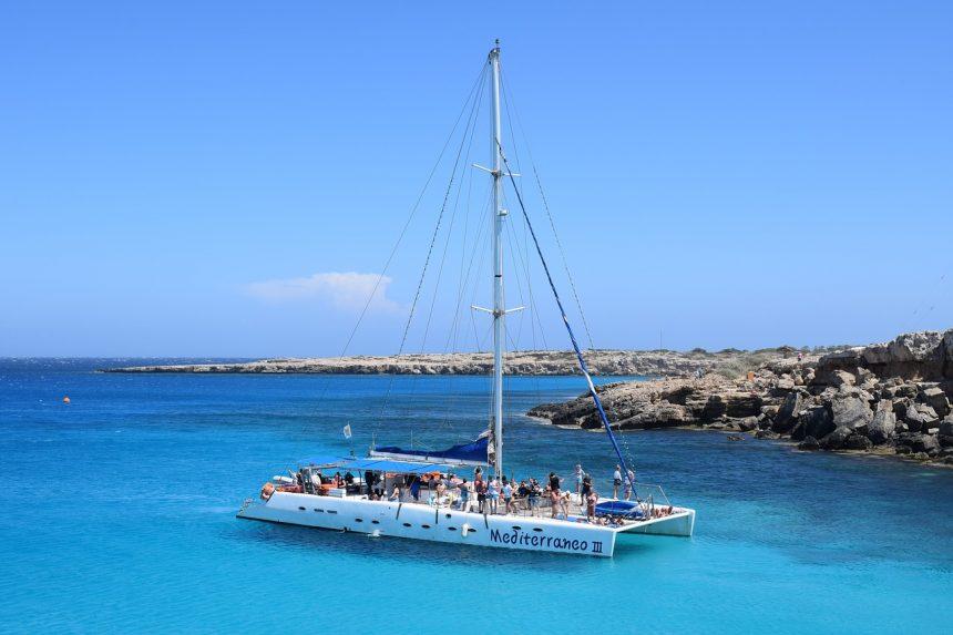 Een catamaran voor een feest