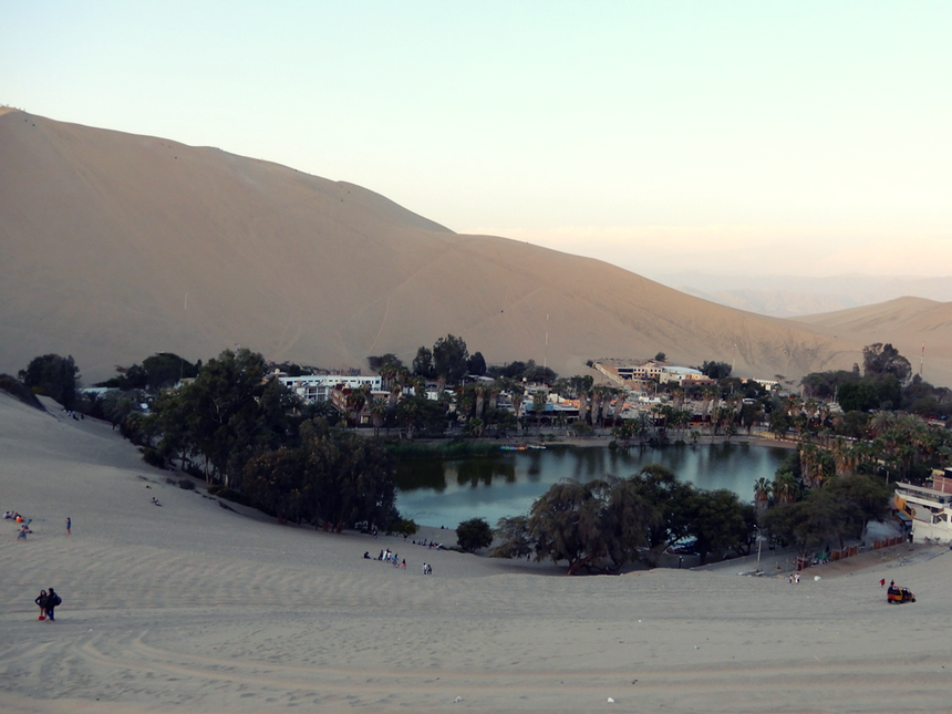 Sandboarden in Huacachina