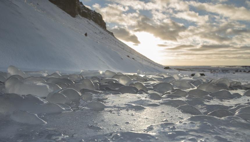seljalandfoss winter