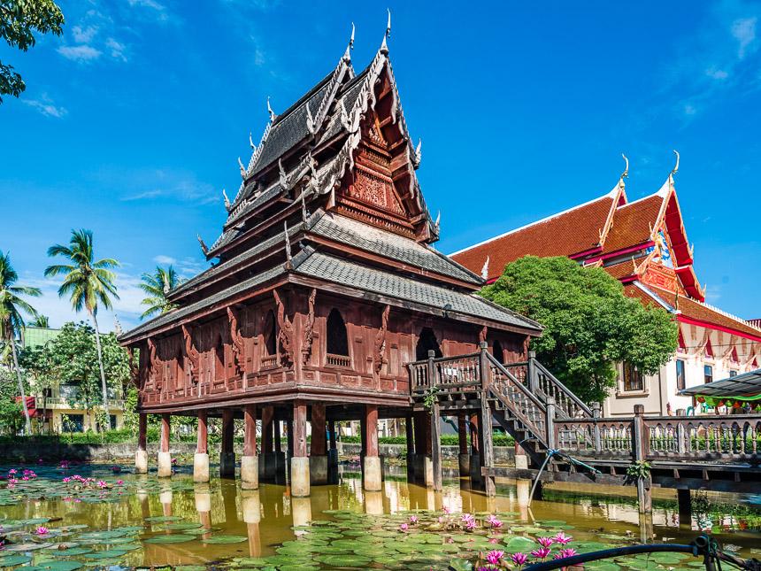 Tripitaka van Wat Thung Si Meuang in Ubon Ratchatani