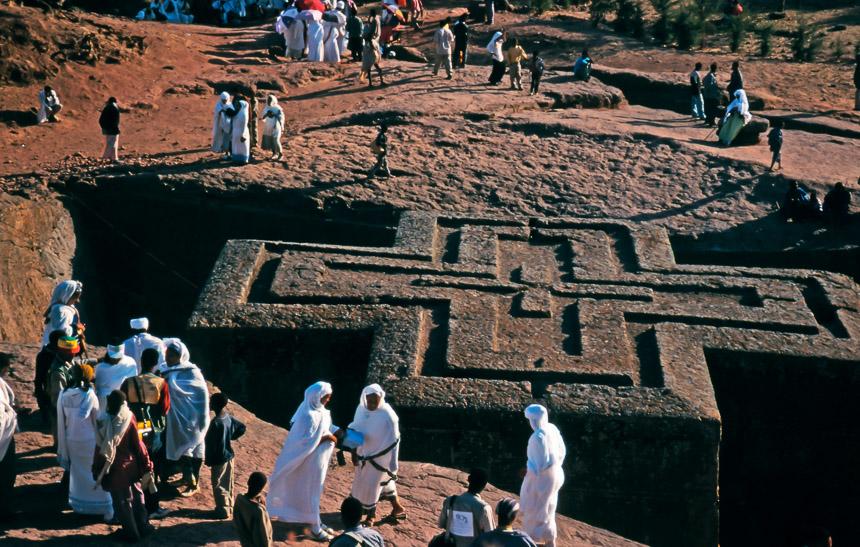 De kerk van Sint Joris in Lalibela, Ethiopië