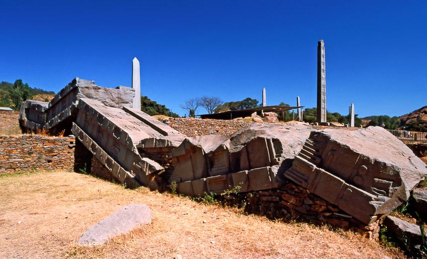 De gebroken stele in Axum in Ethiopië