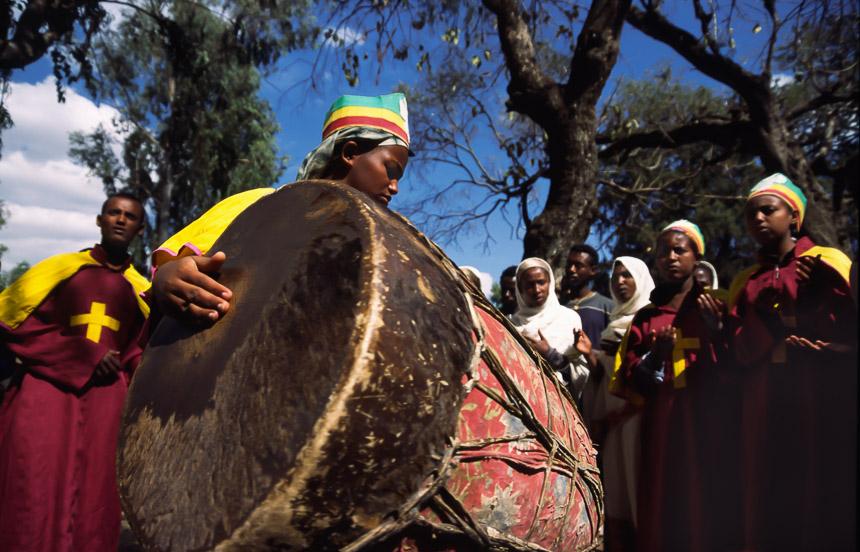 Drums bij de Timkat processie in Ethiopië