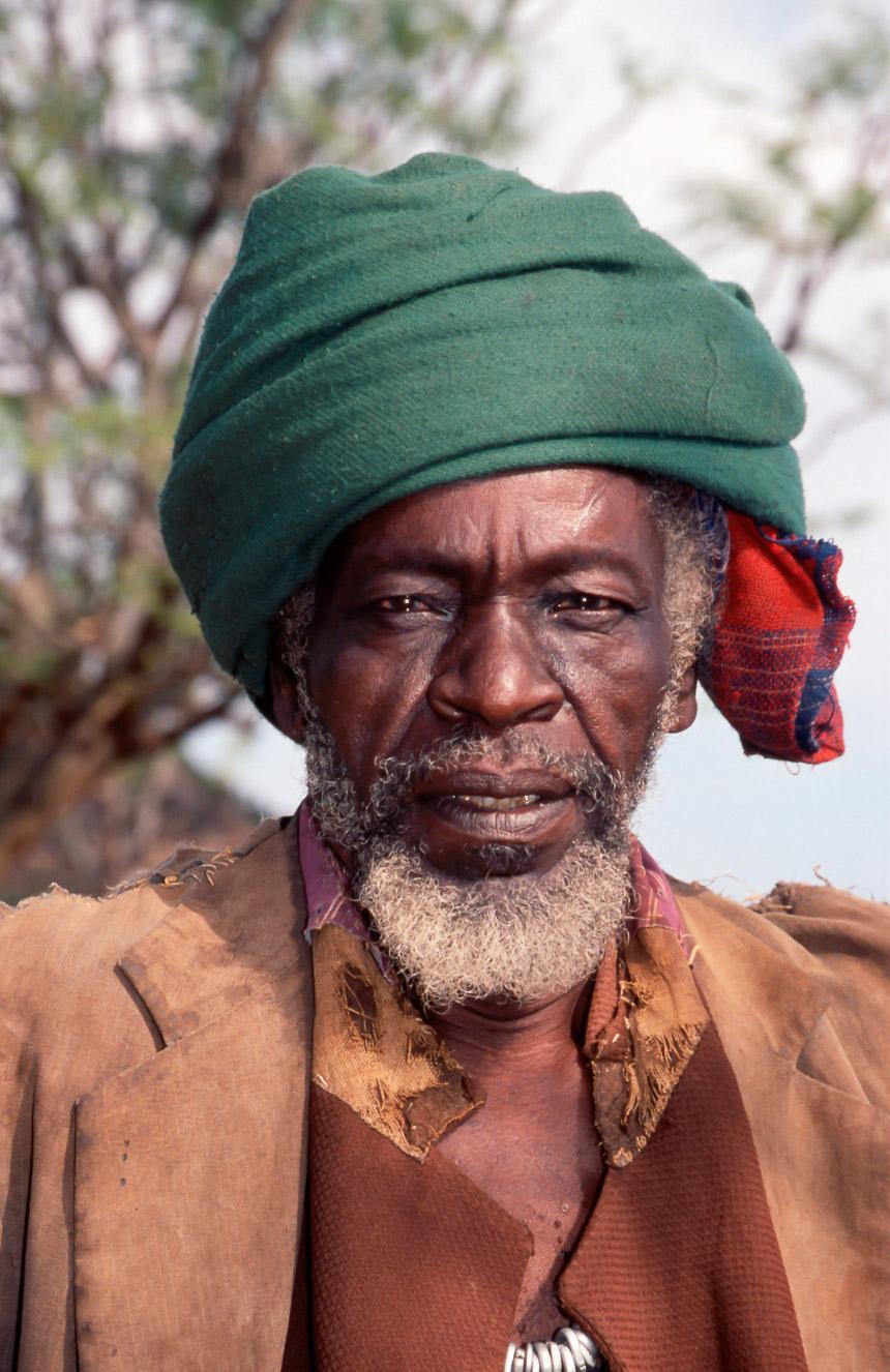 Een Konso landbouwer in Zuid-Ethiopië