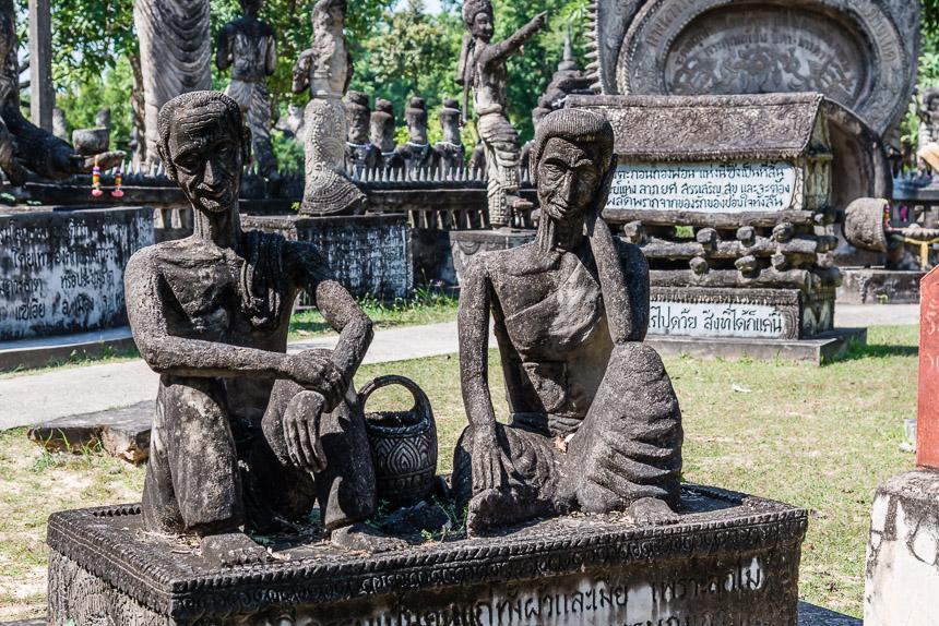 Ouderdom in de beeldentuin van Nong Khai