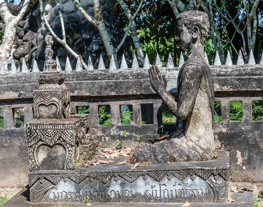 Gebed en religie in de beeldentuin van Nong Khai