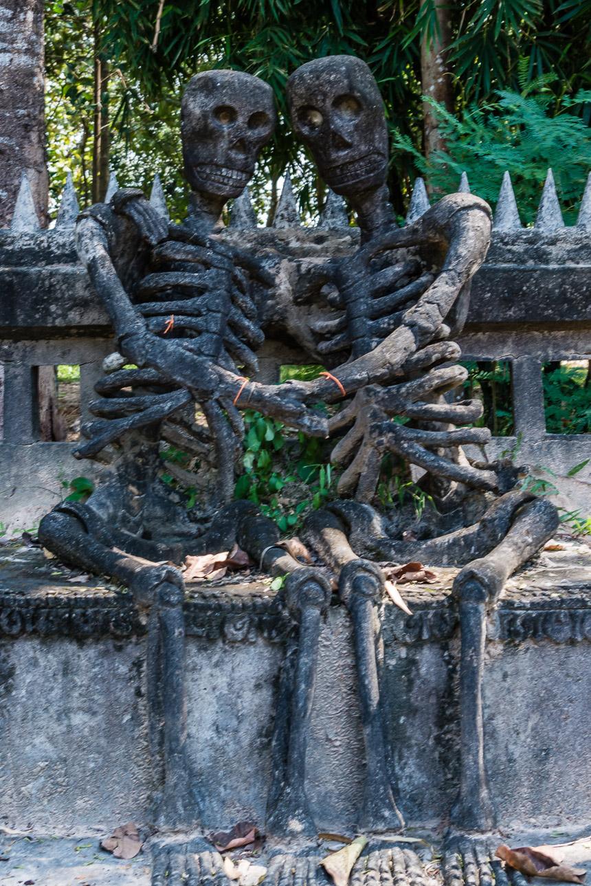 De dood van de liefde in de beeldentuin van Nong Khai