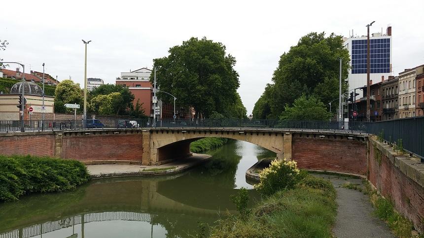 Het Canal du Midi is gegraven door de Romeinen en loopt van de Atlantische Oceaan naar de Middellandse Zee