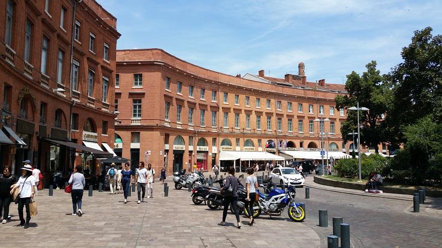 Place Wilson, een van de belangrijkste pleinen in Toulouse
