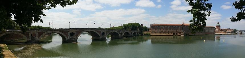 De Pont Neuf, de oudste brug van de stad, en de Dôme de la Grave