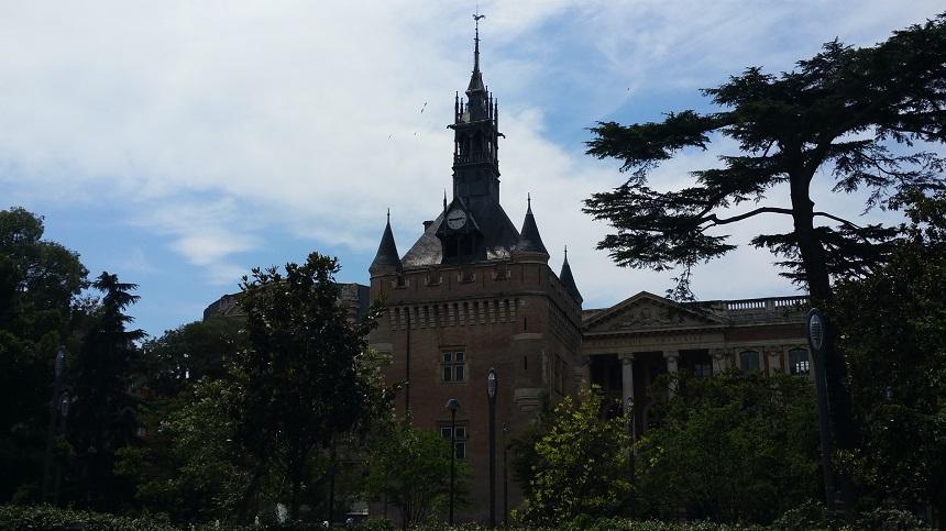 De VVV van Toulouse bevindt zich in dit historische gebouw