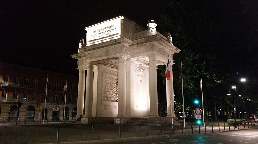 Sommige monumenten zijn 's avonds schitterend verlicht