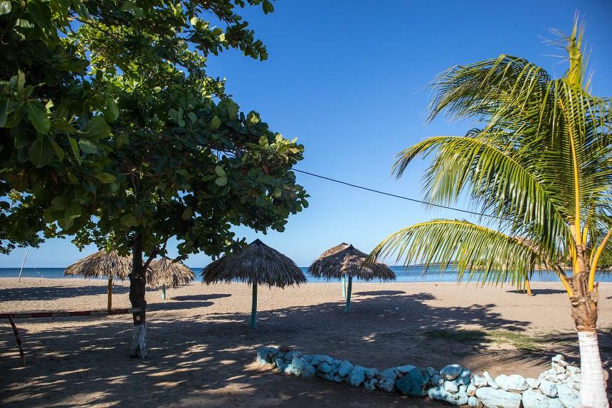 Strand van La Boca onder Trinidad