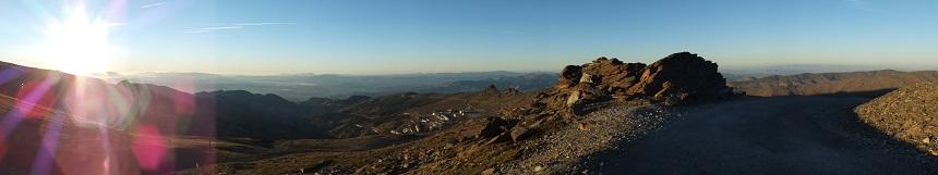 Hoge bergen en diepe dalen in de Sierra Nevada