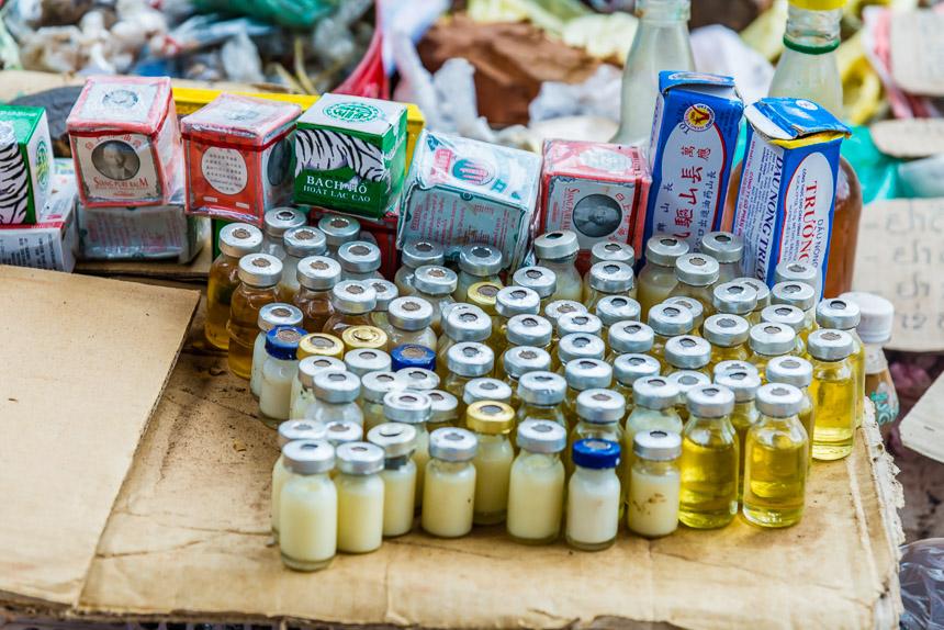 Ook voor medicijnen ga je naar de markt van Ban Khinak