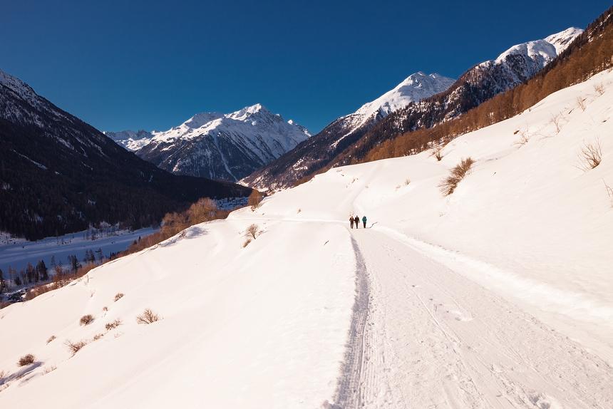 De Via Engiadina, een winterwandeling door het Unterengadin, Zwitserland