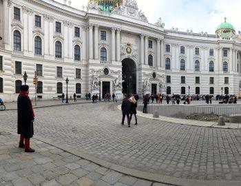 Wenen en de koffiepauzes van de historicus
