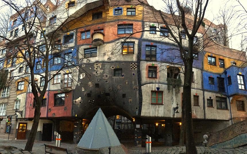 Het Hunderwasserhaus in district 3