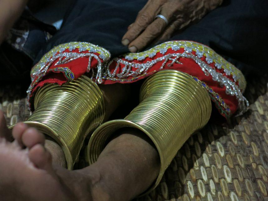 Traditionele gouden ringen bij de lokale bevolking van Borneo