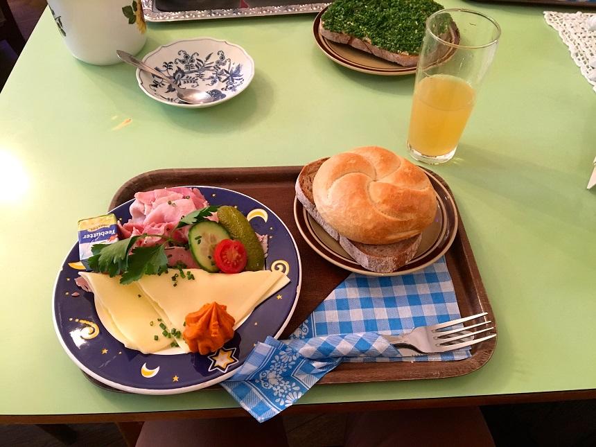 Het ontbijtje genaamd Oom Eberhard bij Vollpension