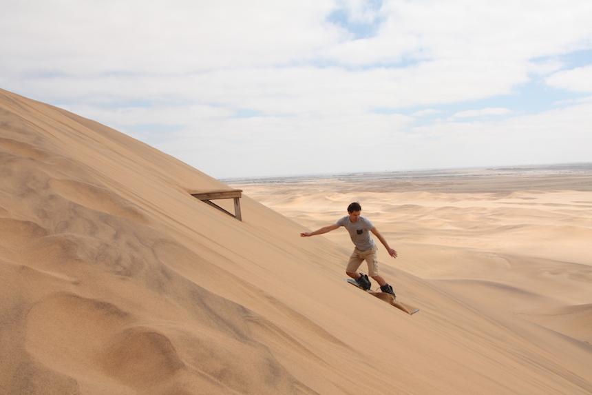 Sandboarden in Swakopmund in Namibië
