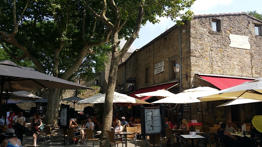 Terrasjes in de cité van Carcassonne
