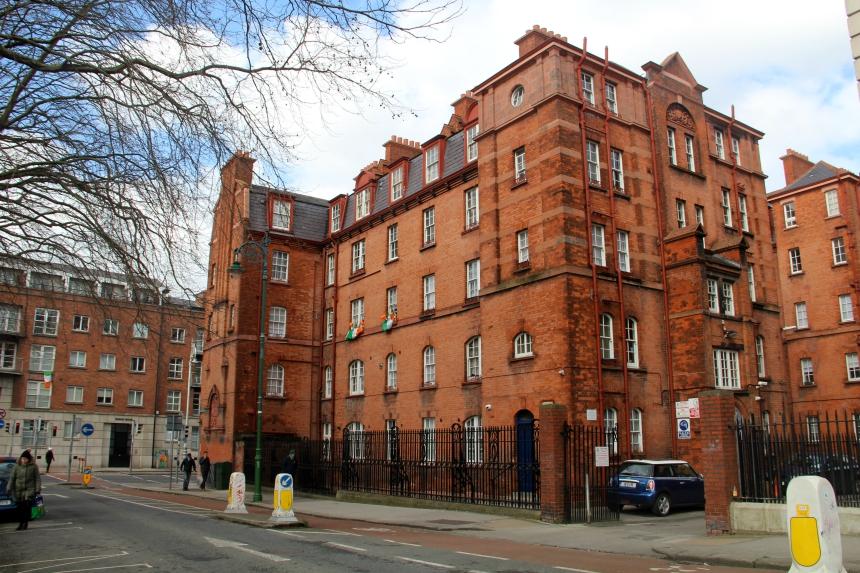 Dublin staat niet bekend om de overweldigend mooie architectuur, maar heeft wel mooie rode bakstenen gebouwen